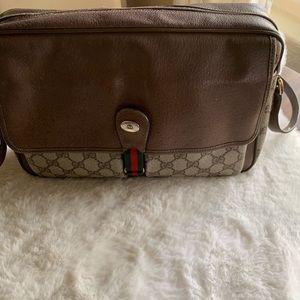 💯% authentic Gucci bag vintage.